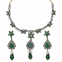 39.00 Grams Green Glass, Green Onyx & American Diamond Neckl