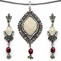 23.80 Grams Emerald, Ruby & Diamond Polki Brass Pendant Set