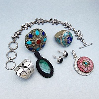 KLG Mega Combo Pack of 7 Unique Jewellery Pcs, MRP Rs. 8,300/-