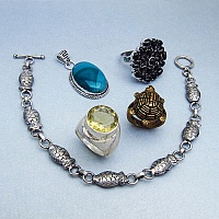 KLG Mega Combo Pack of 5 Unique Jewellery Pcs, MRP Rs. 6,900/-