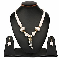 19.50 Inches Long Plain Metal Gold Plated Necklace Set